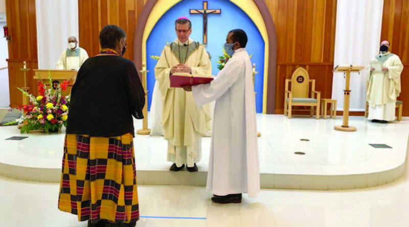 Archbishop prays for peace and solidarity in Mass at Holy Redeemer Church